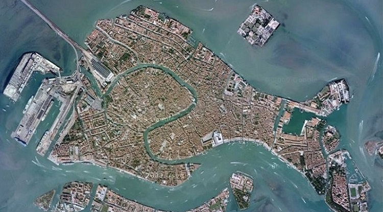 Venice is shaped like a fish
